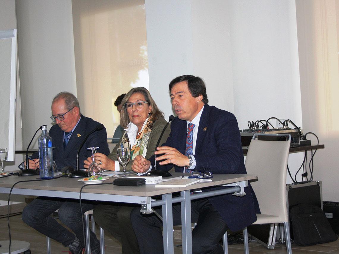 Pacientes y reumatólogos se reúnen en Córdoba para reivindicar el diálogo y la decisión terapéutica compartida como las claves para lograr mejores resultados de salud en artritis reumatoide