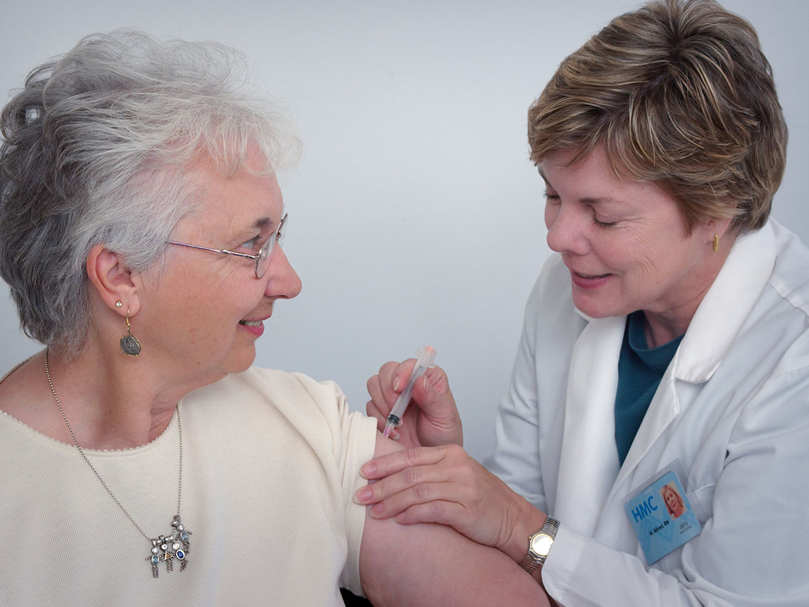 Vacunación COVID-19 y enfermedades reumáticas